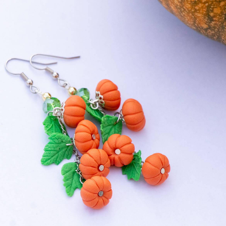 pumpkinbunchearrings1a.jpg